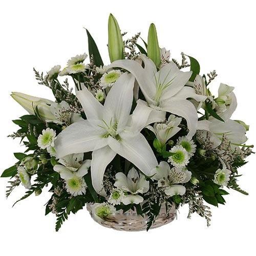 Weiße Blumen-Arrangement